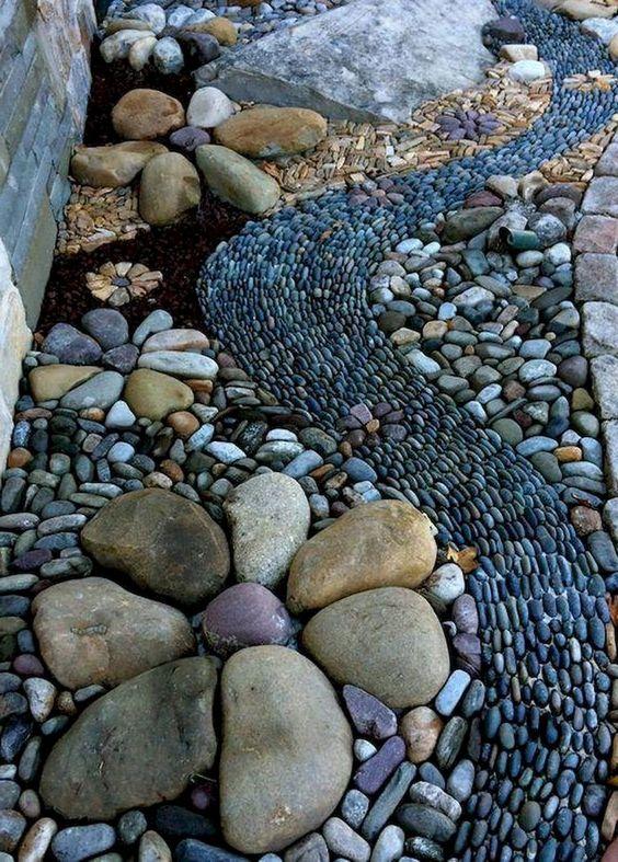 đá bước dặm bằng sỏi xếp nghệ thuật
