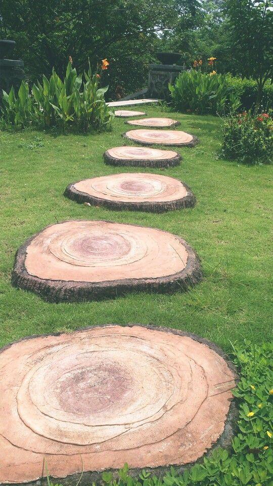 đá bước dặm hình thớt gỗ
